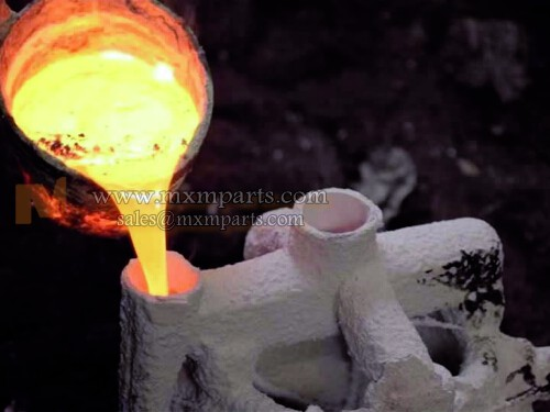 Stainless steel melt poured into model cavity